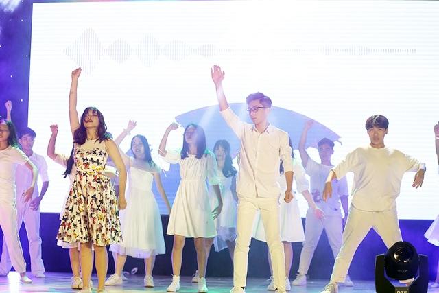 Hành trình đăng quang Đại sứ THPT Chu Văn An của cặp đôi lớp 10 - 7
