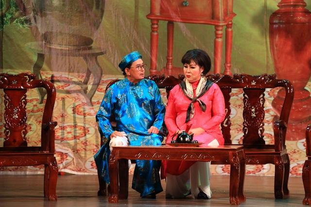 """NSND Hồng Vân thấy """"ngợp"""" khi tham gia vở cải lương kinh điển """"Lan và Điệp"""" - 1"""