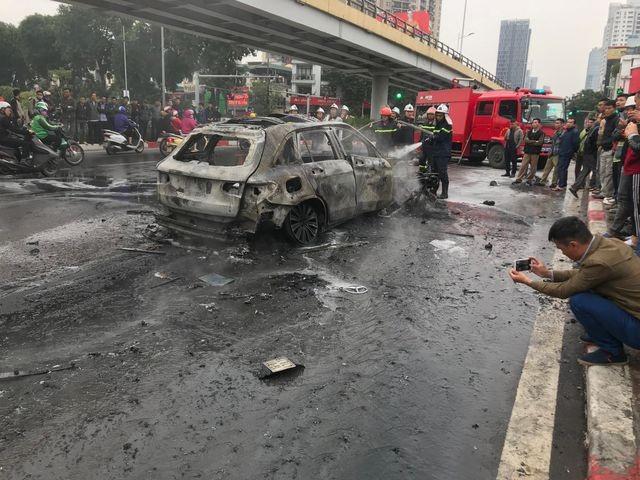 Lời kể của nữ sinh thoát chết trong vụ xe Mercedes gây tai nạn kinh hoàng - 1
