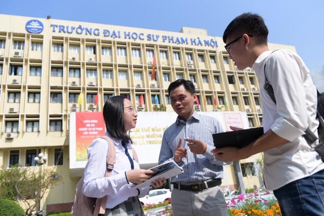 Sĩ Đức Quang - Giáo sư toán học trẻ nhất 2019 xuất thân từ gia đình bán đậu - 2