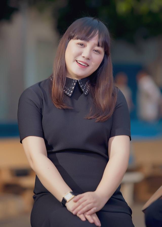 Ngọc Linh bất ngờ tái xuất hát về thầy cô - 6