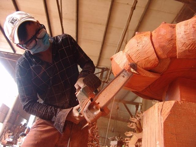 Người thầy dạy học trò khuyết tật thành nghệ nhân điêu khắc - 6