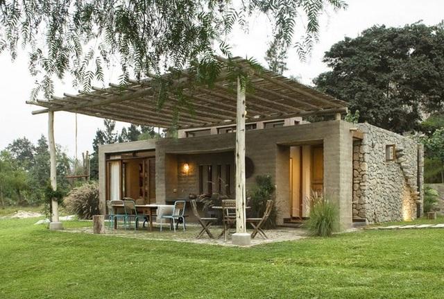 Nhà gỗ đất sét ngoài nhìn đơn giản trong có vẻ đẹp gây nghiện - 1