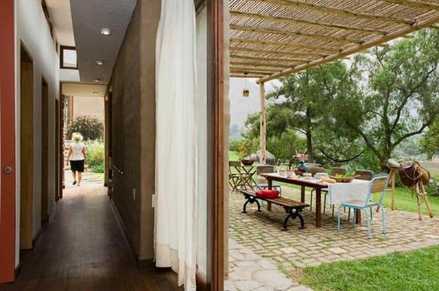 Nhà gỗ đất sét ngoài nhìn đơn giản trong có vẻ đẹp gây nghiện - 4