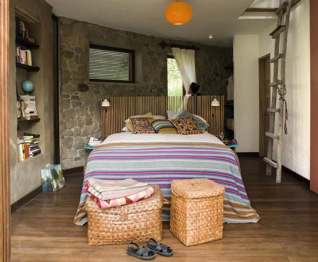 Nhà gỗ đất sét ngoài nhìn đơn giản trong có vẻ đẹp gây nghiện - 8