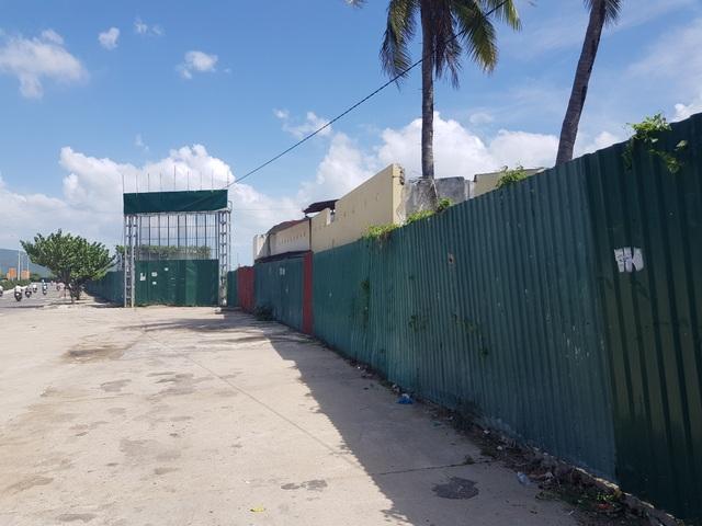 """Dự án """"đất vàng"""" hàng chục triệu đô lấn biển bị bỏ hoang ở Nha Trang - 3"""