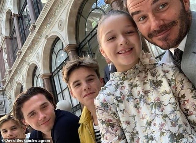 """David Beckham được vợ khen là """"người cha tốt"""" - 3"""