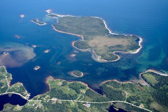 Những hòn đảo tuyệt đẹp ở Canada có giá chỉ bằng một căn hộ mini ở Hồng Kông - 1