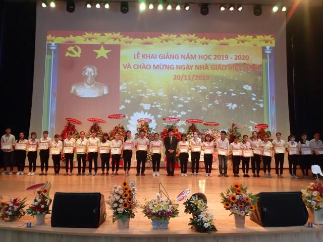 Học bổng Rohto-Mentholatum (VN) tiếp sức ước mơ cho sinh viên Cao đẳng Y tế Bình Dương - 1