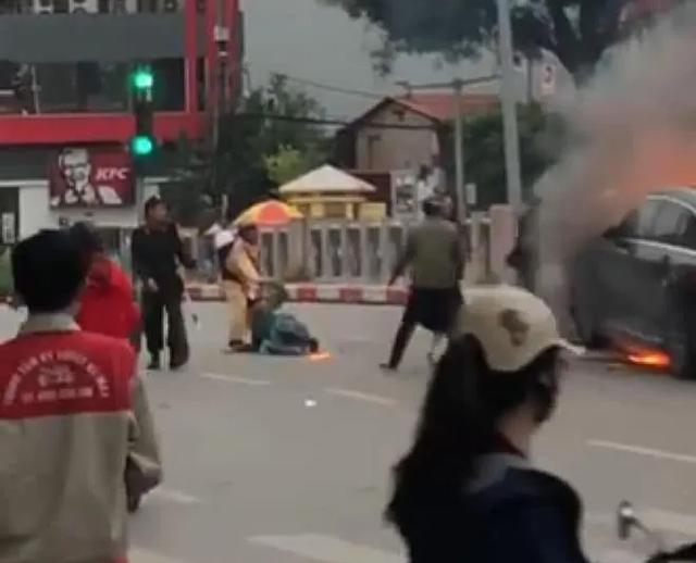Phó Thủ tướng gửi thư khen CSGT cứu người trong vụ cháy xe Mercedes - 3