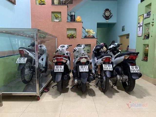 Đại gia Việt trưng xe trong tủ kính gây sốt - 5