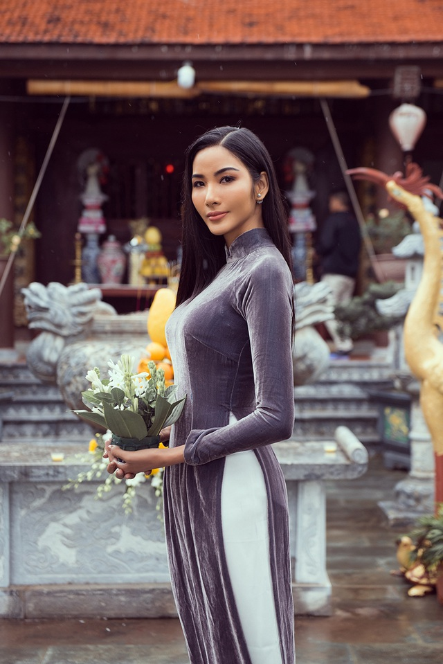 Hoàng Thùy về thăm quê nhà trước khi lên đường dự thi hoa hậu hoàn vũ - 25