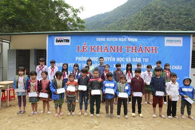 Ngắm 4 phòng học Dân trí kề bên bờ suối dành tặng thầy trò ngày Nhà giáo Việt Nam 20/11 - 11