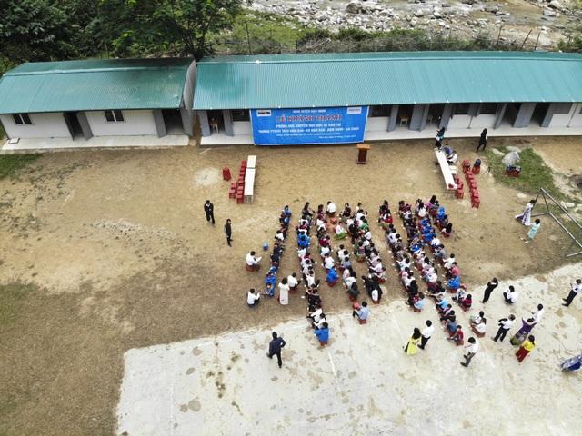 Ngắm 4 phòng học Dân trí kề bên bờ suối dành tặng thầy trò ngày Nhà giáo Việt Nam 20/11 - 3