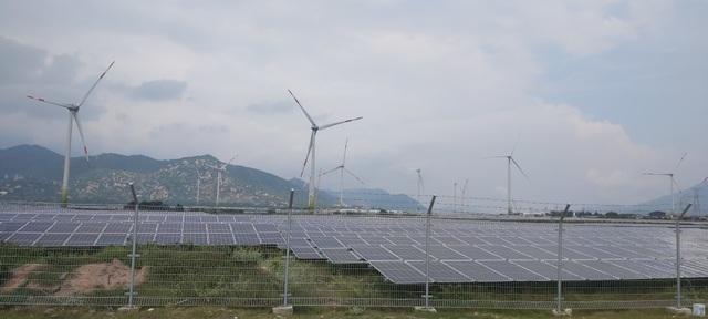 Nhiều dự án truyền tải điện vượt kế hoạch đối phó với bùng nổ điện tái tạo - 1