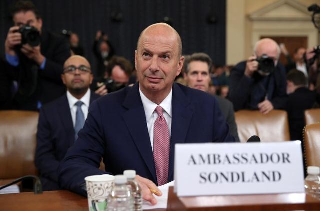 Đại sứ Mỹ nói được ông Trump chỉ đạo gây áp lực cho Ukraine - 1