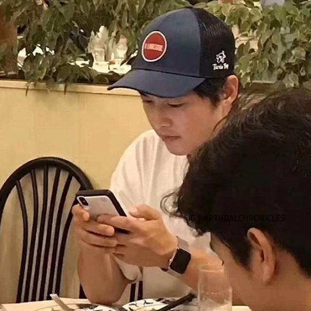 Hình ảnh hiếm hoi của Song Joong Ki sau khi ly hôn - 2