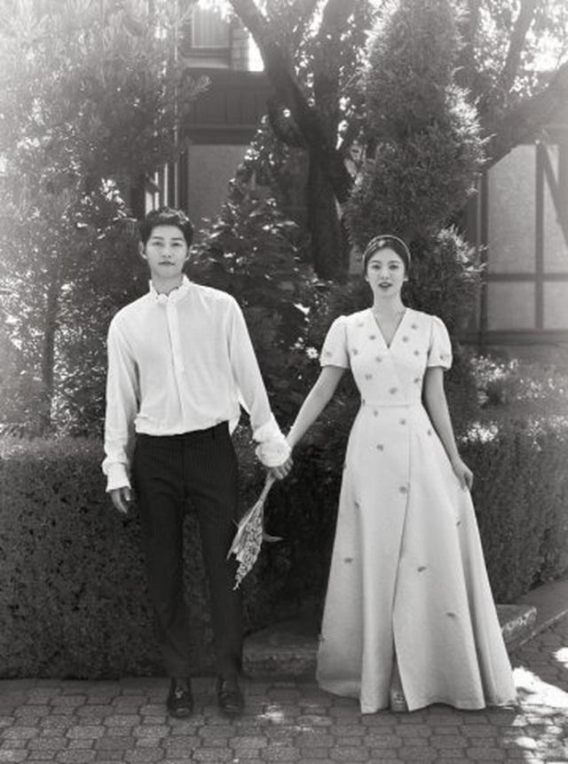 Hình ảnh hiếm hoi của Song Joong Ki sau khi ly hôn - 1