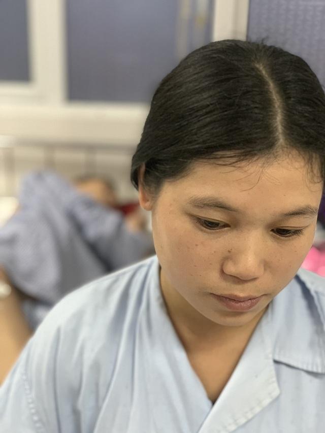 Cuộc sống cơ cực của vợ chồng người dân tộc trong viện, bệnh nhân cùng phòng sẻ từng bát cơm - 4