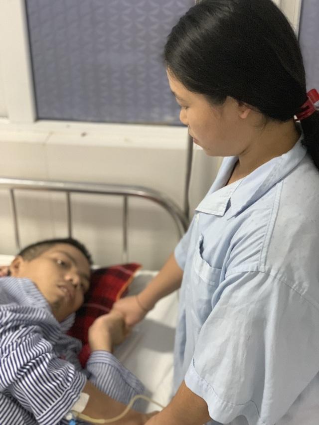 Cuộc sống cơ cực của vợ chồng người dân tộc trong viện, bệnh nhân cùng phòng sẻ từng bát cơm - 5