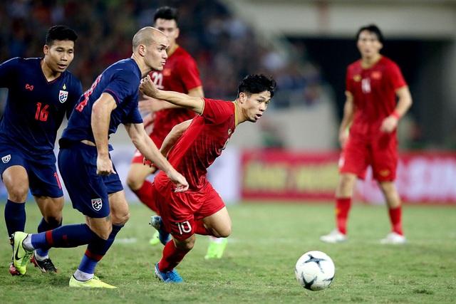 Khoảng cách giữa đội hình chính thức và dự bị của đội tuyển Việt Nam - 1