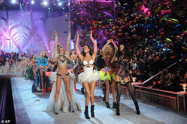 """39 bức ảnh ghi lại sự thay đổi của """"thiên thần Victoria's Secret"""" qua năm tháng - 4"""