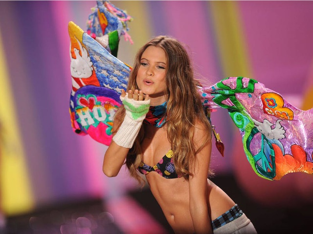 """39 bức ảnh ghi lại sự thay đổi của """"thiên thần Victoria's Secret"""" qua năm tháng - 24"""