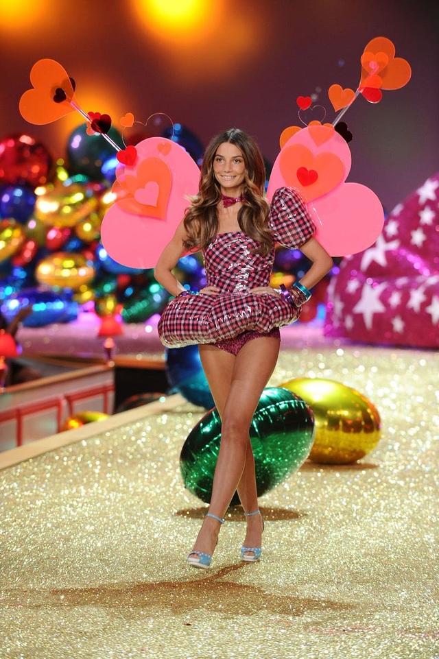 """39 bức ảnh ghi lại sự thay đổi của """"thiên thần Victoria's Secret"""" qua năm tháng - 28"""