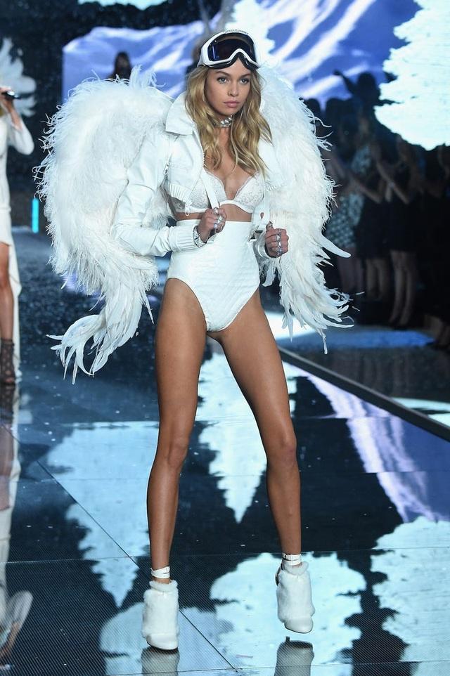 """39 bức ảnh ghi lại sự thay đổi của """"thiên thần Victoria's Secret"""" qua năm tháng - 37"""