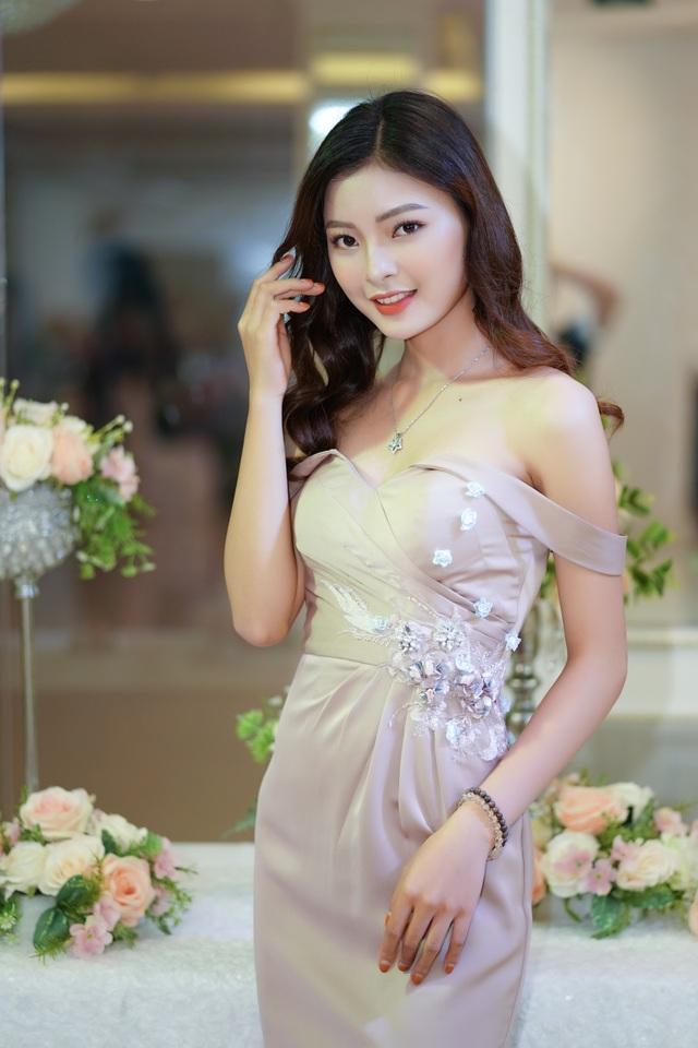 Dàn hot girls Hà Nội đổ bộ sự kiện nhảy zumba phố đi bộ Hồ Gươm - 2