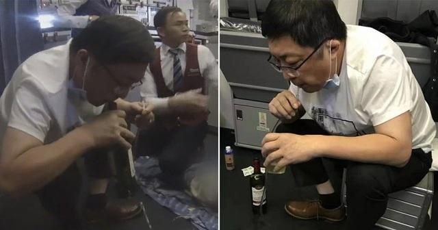 """Bác sĩ dùng miệng hút nước tiểu cho bệnh nhân trong ca cấp cứu trên máy bay gây """"bão"""" mạng - 1"""