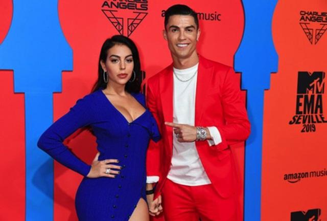 """Đập tan tin đồn cưới hỏi, C.Ronaldo khẳng định vẫn là """"trai chưa vợ"""" - 1"""