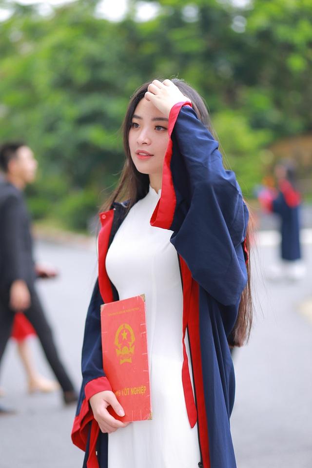 Ảnh kỷ yếu rạng ngời của Hoa khôi ĐH Kinh tế quốc dân - 3