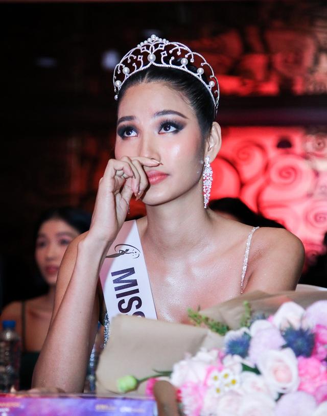 Hoàng Thùy đặt mục tiêu giành vương miện Hoa hậu Hoàn vũ - 1