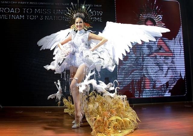 Hoàng Thùy đặt mục tiêu giành vương miện Hoa hậu Hoàn vũ - 7
