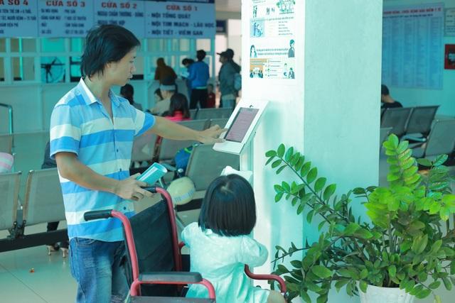 Hàng vạn người dân tham gia đóng góp ý kiến chất lượng dịch vụ công - 4