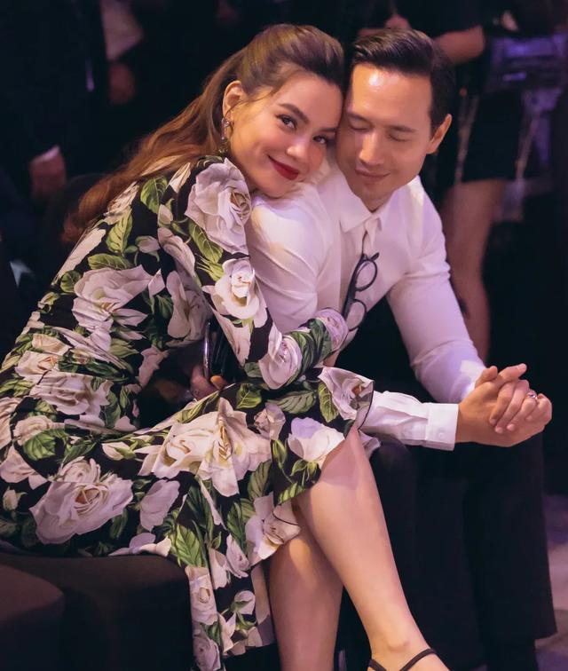 Hồ Ngọc Hà ôm Kim Lý ngồi xem Lệ Quyên diễn thời trang - 3