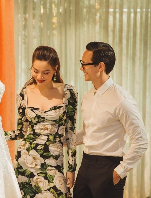 Hồ Ngọc Hà ôm Kim Lý ngồi xem Lệ Quyên diễn thời trang - 7