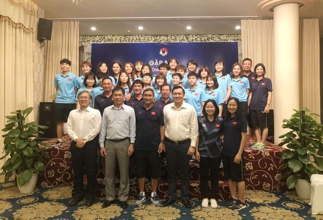 Hôm nay, U22 và đội tuyển nữ Việt Nam lên đường dự SEA Games 30 - 2