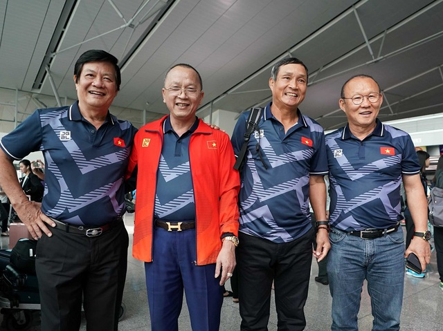 """U22 Việt Nam đổ bộ Philippines, sẵn sàng """"săn vàng"""" SEA Games 30 - 3"""