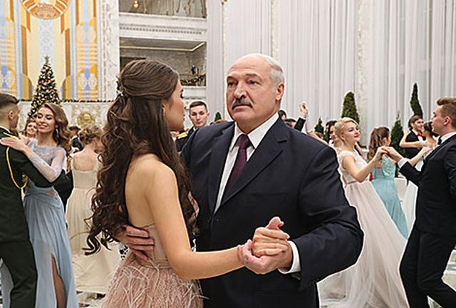 Hoa hậu 22 tuổi trở thành nghị sĩ trẻ nhất Belarus - 10