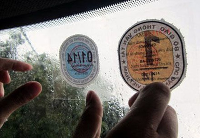 Bộ Giao thông đề xuất nhận diện xe kinh doanh vận tải qua màu tem đăng kiểm - 1