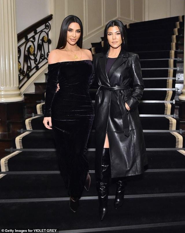 Victoria Beckham gặp chị em cô Kim trong sự kiện - 4