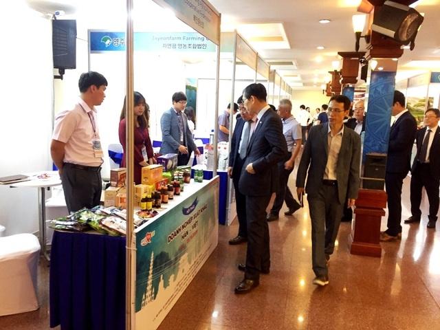 Hàn Quốc muốn bán thêm nhiều nho, lê, táo, nhân sâm…sang Việt Nam - 1