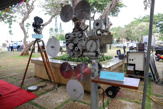 Cận cảnh những máy quay thô sơ đã làm nên nhiều bộ phim kinh điển - 6