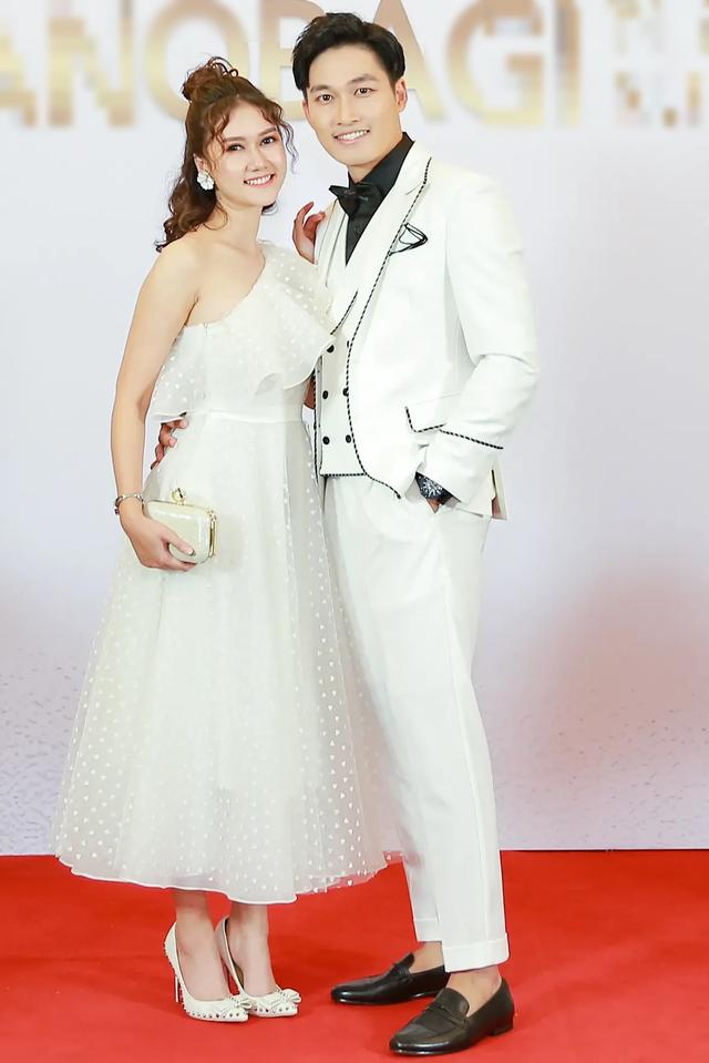 Tường San rạng rỡ xuất hiện sau thành tích Top 8 Hoa hậu Quốc tế - 9