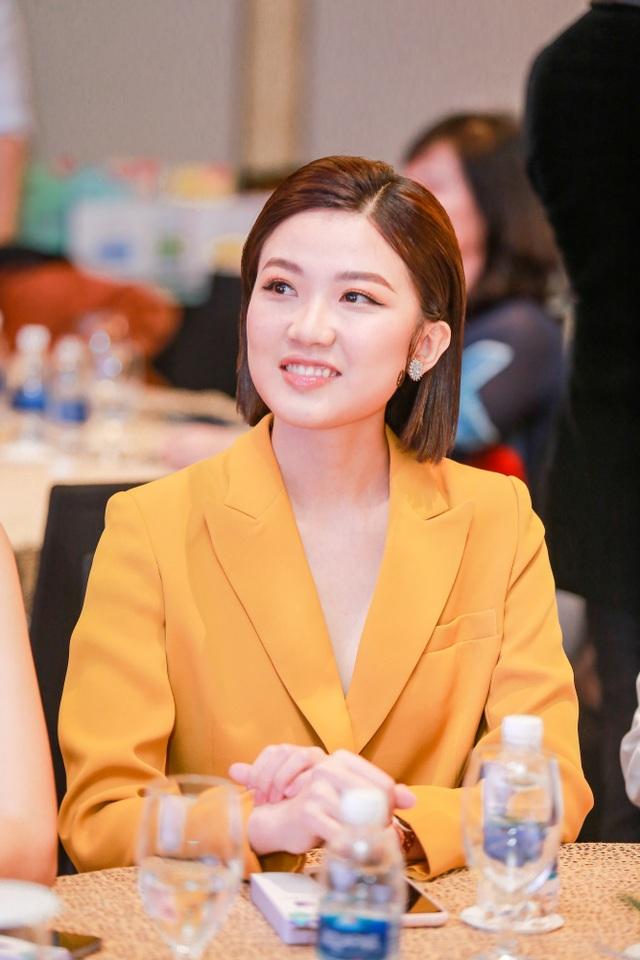 Tường San rạng rỡ xuất hiện sau thành tích Top 8 Hoa hậu Quốc tế - 6