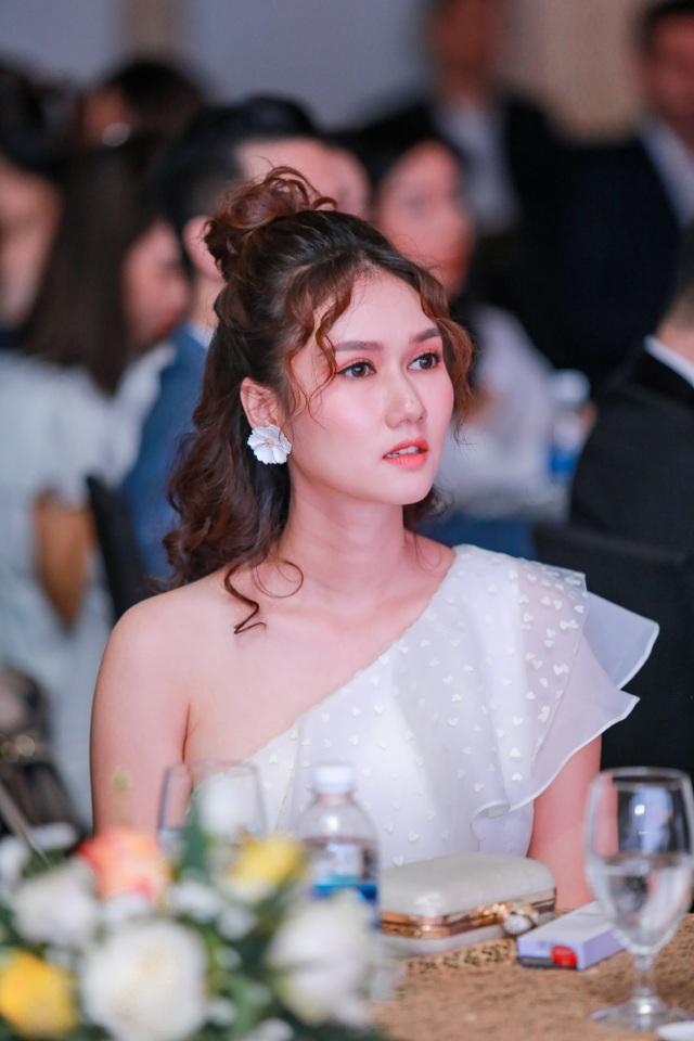 Tường San rạng rỡ xuất hiện sau thành tích Top 8 Hoa hậu Quốc tế - 10
