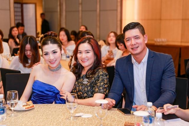 Tường San rạng rỡ xuất hiện sau thành tích Top 8 Hoa hậu Quốc tế - 8
