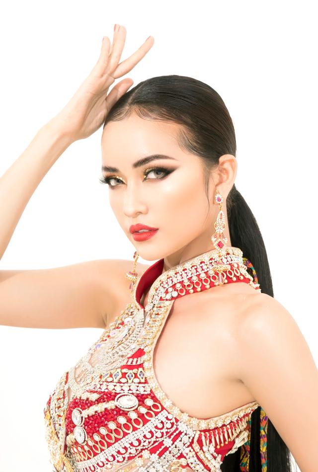 Ngọc Châu mang trang phục dân tộc vô cùng gợi cảm đến Hoa hậu Siêu quốc gia - 11